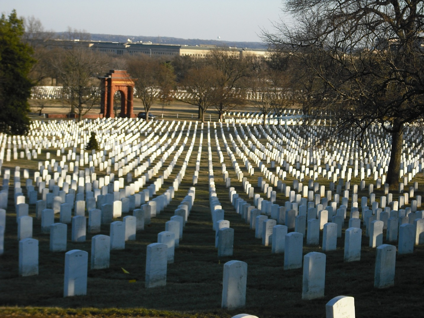 Arlington National Cemetery, Image by vcudnik from Pixabay